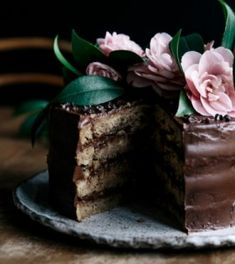 In the Kitchen Recipe: Banana & Maple Layer Cake with Avocado Chocolate Frosting Riads In Marrakech, Chocolate Frosting, Cake Chocolate, Let Them Eat Cake, Cupcake Cakes, Cake Recipes, Sweet Tooth, Food Photography, Sweet Treats