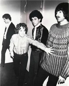 Rock Legends: The Velvet Underground https://mentalitch.com/rock-legends-the-velvet-underground/