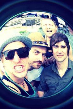 Tomáš Klus :) with band.. Pilot, Aviation, Mens Sunglasses, Singer, Band, Artist, Fashion, Moda, Sash