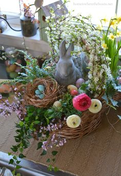 How to Build a Blooming Easter Basket #DIY | homeiswheretheboatis.net #Easter
