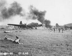 Air Force Bomber, American Air, Ww2 Planes, World War Ii, Movie Stars, Britain, Aircraft, Army, Photographs