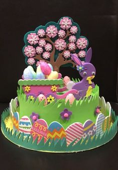 Its my favourite time of year again (making Easter bonnets) the house is full of glitter and glue - my husband hates it. Easter Bonnets, Easter Eggs, Preschool Crafts, Easter Crafts, Easter Hat Parade, Diy For Girls, Gifts For Family, Deco, Funny Hats