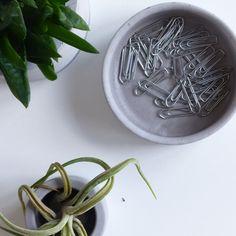 Copper or silver concrete round dish Vide Poche Design, Concrete Design, Personalized Items, France, Handicraft, Unique Jewelry, Hands, Brittany, Atelier