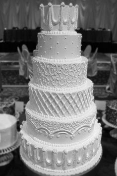 Non+Fondant+Wedding+Cakes | ... Gallery | Non Fondant Wedding Cakes | White Icing in Multiple Patterns