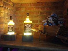 Twins Jack Daniel's Lampe Jack Daniels, Twins, Table Lamp, Home Decor, Gemini, Homemade Home Decor, Table Lamps, Twin, Decoration Home