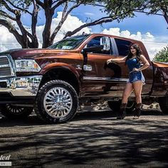 Nothing like a bad ass #dually all cleaned up! Check out @mr_johnny_sauceda…