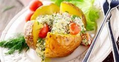 Recette de Pomme de terre à la faisselle 0% aux herbes, jambon et tomate. Facile et rapide à réaliser, goûteuse et diététique.