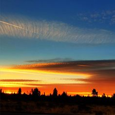 A Fall sunrise in La Pine, Oregon. ------------- @chadcarpenter