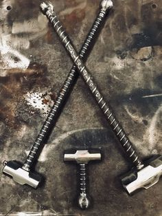 Acme Sledgeworks takes pride creating hand-crafted weights, sledge hammers, and fitness equipment. Forging Knives, Blacksmithing Knives, Blacksmith Tools, Blacksmith Projects, Homemade Weapons, Homemade Tools, Zombie Weapons, Weapons Guns, Zombie Tools