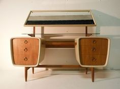 63 Vintage Furniture Collection: Buffet Cabinets, Sideboards, Bedside Tables and Desks – Futurist Architecture Mid Century Desk, Mid Century House, Mid Century Style, Mcm Furniture, Vintage Furniture, Business Furniture, Outdoor Furniture, Furniture Design, Western Furniture