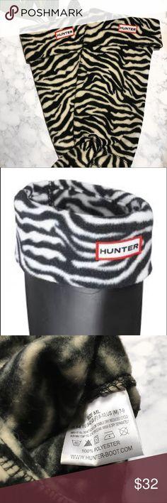 Hunter Fleece Socks Hunter fleece wells socks in zebra print. The size is a m-l which fits a size 8-10 hunter boot. I wear a size 10 and they fit perfectly with my hunter boots Hunter Boots Accessories Hosiery & Socks