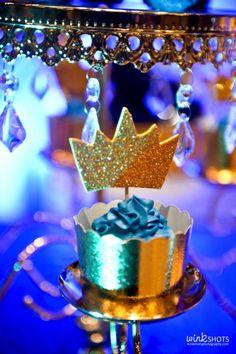 Royal Theme (5) Tagaytay Wedding, Royal Theme, Box Cake, Cake Smash, Family Photographer, Photo Booth, Birthday Candles, Wedding Events, First Birthdays