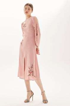 Embroidered Tie Sleeve Midi Dress - New In Dresses - New In - Topshop Midi Dress With Slit, Floral Midi Dress, Topshop, Dress Images, Pink Fashion, Women's Fashion, Nordstrom Dresses, Dress To Impress, Beautiful Outfits