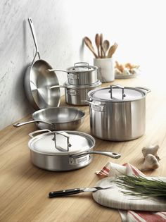 ZWILLING Aurora 5-ply 3.5-qt Stainless Steel Cookware Kitchen Stove, Copper Kitchen, Kitchen Appliances, Best Cooker, Pots And Pans Sets, Cookout Food, Kitchen Equipment, Cookware Set, Kitchen Essentials