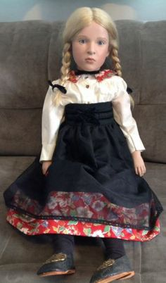"Sabine Esche Lara Gotz 1995 COA Doll Art Vinyl Sitting 28"" Hand Painted Limited | eBay"
