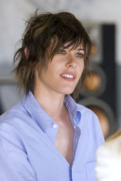 MOM REMEMBER WHEN THIS IS WHAT I WANTED MY HAIR TO LOOK LIKE! Lol     Shane - The L Word - Katherine Moennig