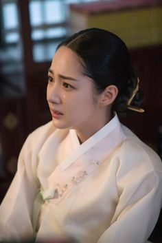 Queen for Seven Days (Hangul: 왕비; 7 Day Queen) is a South Korean television series starring Park Min-young as the titular Queen Dangyeong of Joseon, with Yeon Woo-jin and Lee Dong-gun. It airs on 신채경 역 박민영 Korean Hanbok, Korean Dress, Korean Traditional, Traditional Dresses, Queen For Seven Days, Miss A Suzy, Kbs Drama, Park Min Young, Medical Drama