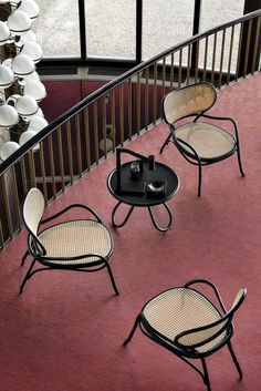 Arch Coffee table – Gebrüder Thonet Vienna Sofa Furniture, Furniture Design, Outdoor Furniture, Outdoor Decor, Chaise Chair, Love Chair, Style Deco, Small Sofa, Vienna
