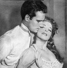 DES GALERES AU TRIOMPHE DE JUDAH BEN-HUR partie 2 - ETERNEL CHARLTON HESTON Westerns, Hollywood Actor, Rare Photos, Movie Stars, The Past, Cinema, Nude, Actors, Couple Photos