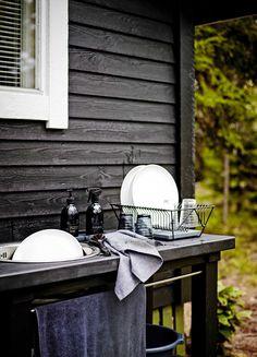 Outdoor Sinks, Outdoor Rooms, Outdoor Living, Summer House Interiors, Sauna Design, Home Grown Vegetables, Summer Kitchen, Mini Kitchen, Winter House