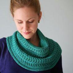 Luna Viridis Cowl Kit | Pattern + Yarn