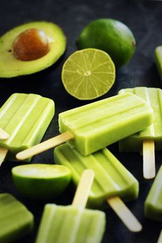 Healthy Desserts: Avocado Lime Pops make the most delicously healthy dessert!