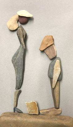 Πέτρες Rock Sculpture, Wire Tree Sculpture, Pebble Pictures, Stone Pictures, Stone Crafts, Rock Crafts, Pebble Mosaic, Mosaic Art, Pebble Art Family
