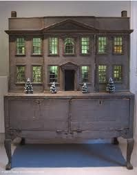 antique dollhouse. LOVE, LOVE, LOVE!!!