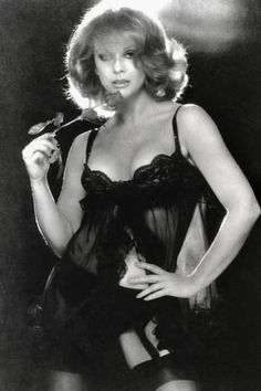 Ann-Margret Ann Margret, Elvis Presley, Vintage Hollywood, Movies Showing, Her Style, Diana, American Actress, Sexy Legs, Daenerys Targaryen