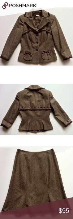 Kay Unger retro tweed suit with trumpet skirt Recalling 1940s postwar fashion in cocoa-and-creme smooth tweed with cinched waist, leather buttons, contrasting ribbon details, fringed at 3/4 sleeves, collar, bust, mid-back and hem. Like new, no flaws. Wool, polyester & cotton. Dry clean Unger Jackets & Coats Blazers
