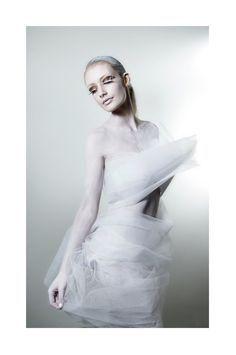 all white photoshoot - Sök på Google Halloween Makeup 38d85b2960ad8