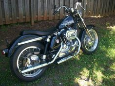 Buy 1972 Harley Davidson Sportster XLH Vintage on Harley Davidson Seats, Harley Davidson Custom Bike, Harley Davidson Sportster, Bobber Bikes, Old Motorcycles, Dirt Bikes, Motorcycle Museum, Motorcycle Gear, Sportster Chopper