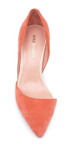 Classic d'Orsay pumps | coral #weddingshoes