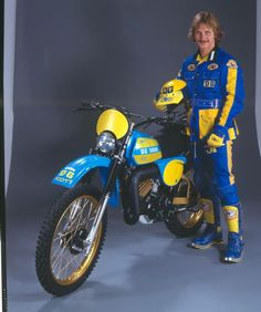 1977- Yamaha IT175 DG Performance Package Racer and rider with full gear.