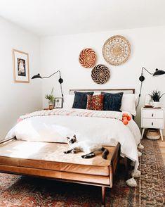 Room Decor Bedroom, Home Bedroom, Funky Bedroom, Bohemian Bedroom Design, Boho Chic Bedroom, Bedroom Designs, Bohemian Bedrooms, Cottage Bedrooms, Bedroom Photos
