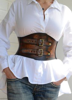 Leather Corset, Vintage Leather Jacket, Leather Belts, Classy Work Outfits, Stylish Outfits, Fashion Belts, Leather Fashion, Girls Accessories, Leather Accessories