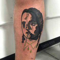 Mercoledì Addams Simona Petrux Simona.petrux@gmail.com Instagram. SIMONA.PETRUX Fb. Simona Petrux Tattoo Sweet Mamba Tattoo Studio ROMA