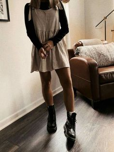 , You are in the right place about vintage outfits Here we offer you the most beautiful pictu Cute Simple Outfits, Trendy Fall Outfits, Fall Outfits For Work, Outfits For Teens, Winter Outfits, Cute Outfits, Edgy Outfits, College Outfits, Swag Outfits