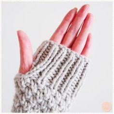 Vous vous souvenez du snood au point de blé et côtes 1/1 que j'ai tricoté il y a quelques mois pour mon amie Carole ? Et bien comme il restait encore un peu de laine, on s'est dit que j…