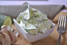 Omas Gurkensalat ist ein Hit. Dieses Rezept passt sehr gut zu Gegrilltem.