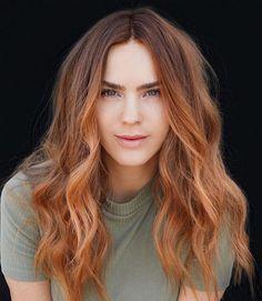 Gorgeous Natural Hair Color Ideas Natural Hair Color Dye, Natural Hair Types, Natural Red Hair, Hair Dye Colors, Red Balayage Hair, Hair Highlights, Balayage Brunette, Red Hair Inspiration, Hair Inspo