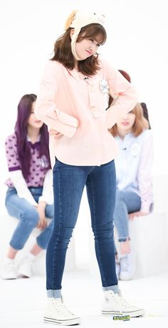 Kpop Girl Groups, Korean Girl Groups, Kpop Girls, J Pop, Yu Jin, Japanese Girl Group, Dope Outfits, Female Singers, Girl Crushes