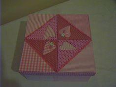 caja corazones en falso patchwork