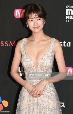 South Korean actress Jung So-min arrives at 2018 MAMA FANS' CHOICE in JAPAN at Saitama Super Arena on December 2018 in Saitama, Japan. Asian Cute, Cute Asian Girls, Korean Beauty, Asian Beauty, Japanese Beauty, Pretty Korean Girls, Jung So Min, Korean Actresses, Beautiful Asian Women