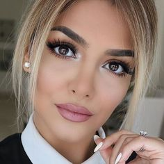 """Gorgeous @sheidafashionista ❤️❤️❤️ @shophudabeauty mink lashes in Sophia"""