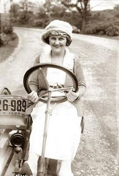 1920's lady driver - (LOL.. I'm just learning to drive & bought my first car, a few days ago..)