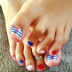 nails, accent nail, gelish, shellac, gellac, nail art, white, blue, red, lines, stripes, anchor, sailor, nautical, toes
