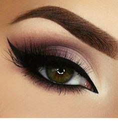 20 Heißesten Smokey Augen Make Up Ideen Las 20 mejores ideas de maquillaje Smokey Eye - Smokey Eye Make Up # Eye Makeup Tips, Makeup Trends, Eyeshadow Makeup, Makeup Brushes, Beauty Makeup, Makeup Ideas, Makeup Tutorials, Makeup Products, Makeup Style