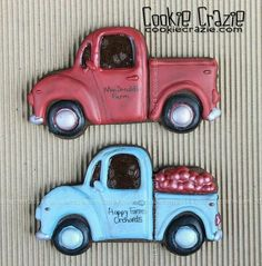 Vintage truck collaboration between CookieCrazie and Creative Cookiers.  Love this old truck!!!!