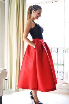 By My Heels con falda midi roja Dresseos - alquiler faldas fiesta - alquiler de faldas online
